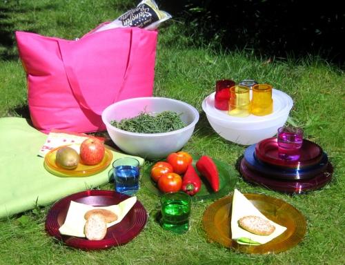 der pic boll von guzzini f r das perfekte picknick kramsen. Black Bedroom Furniture Sets. Home Design Ideas