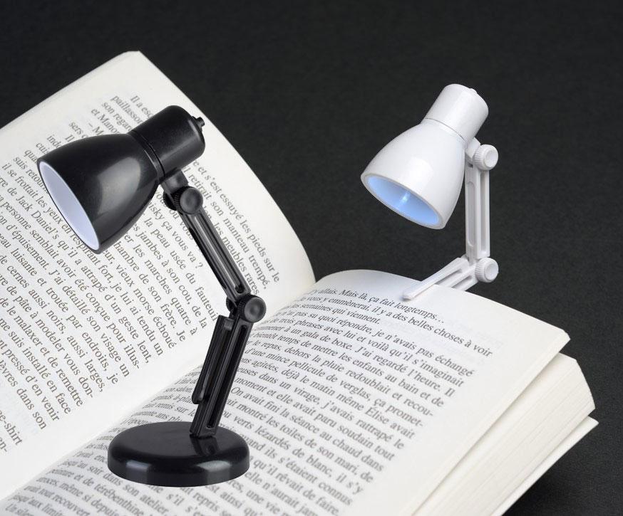 kleine led lampe zum anklemmen ans buch kramsen